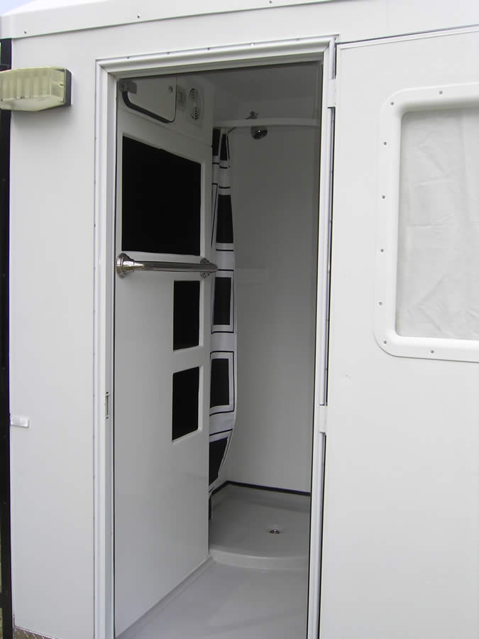 Trailor Mounted Ensuite09